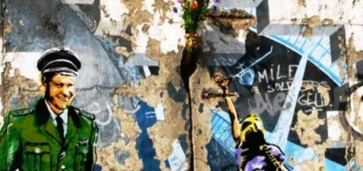 ABOVEtakesontheBerlinWall5